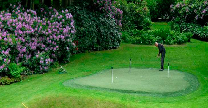 mini golf cesped artificial jardin